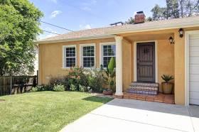 Sweet 1948 Cottage at 4652 Loleta