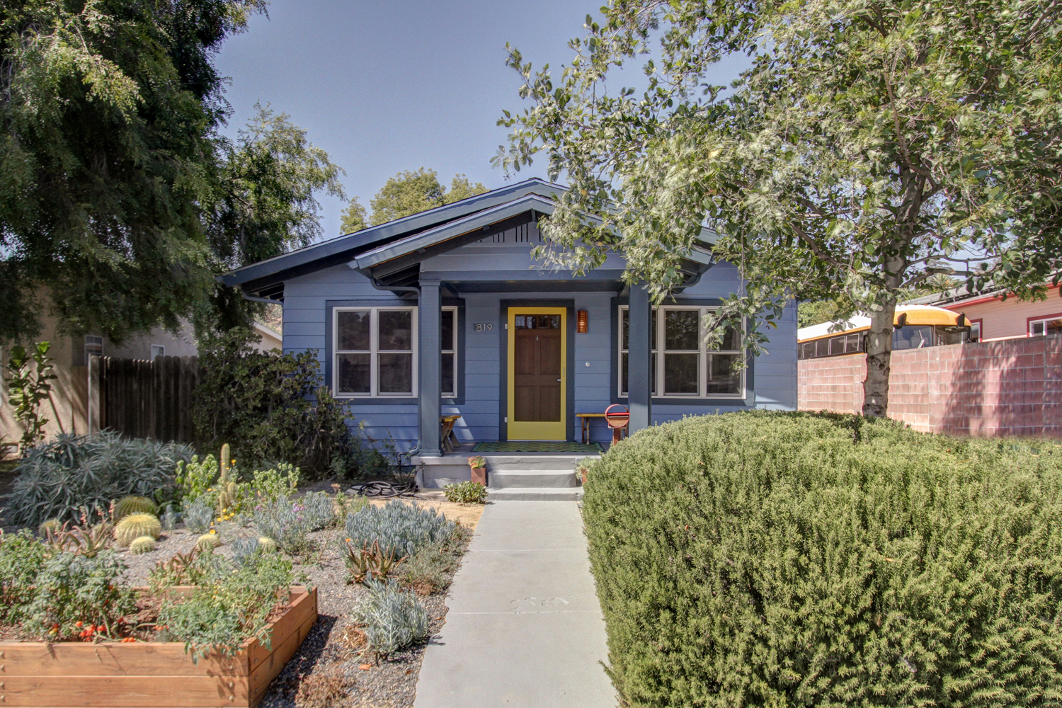 A Stylishly Modern Craftsman Bungalow Tracy King Eagle Rock Real