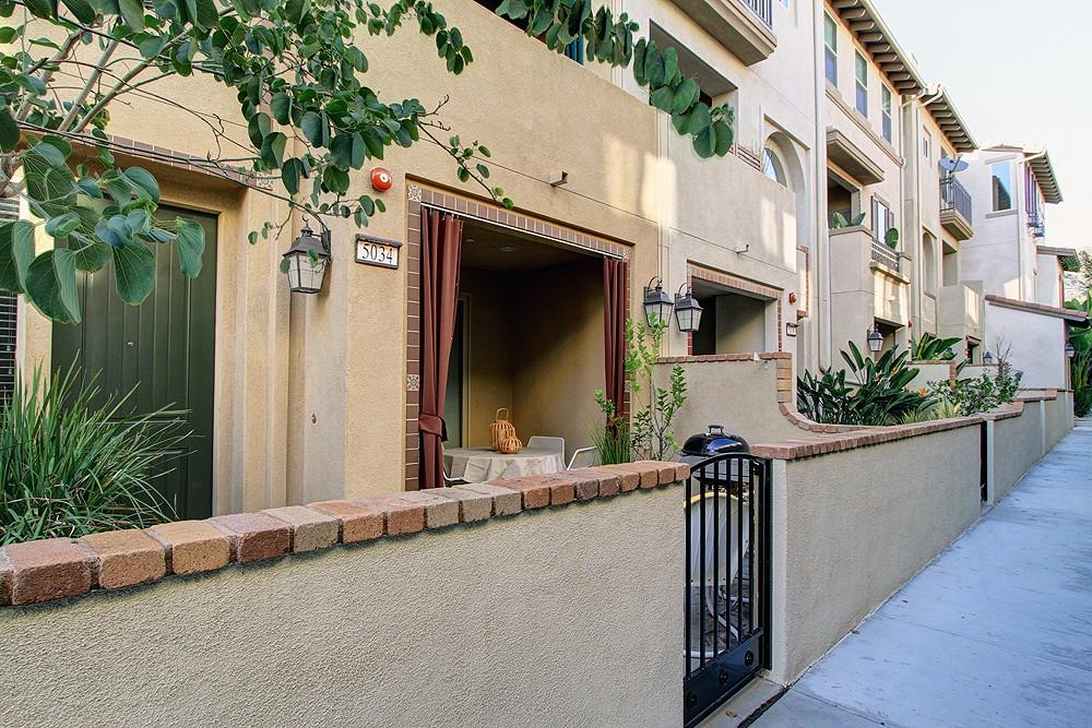Urban Living at 5034 Mosaic Court