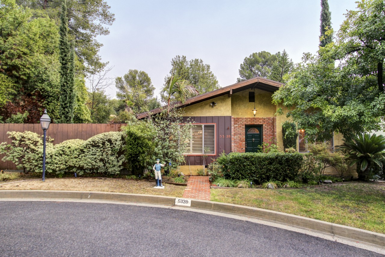 We sold this groovy 1970s Eagle Rock house for $750,000!