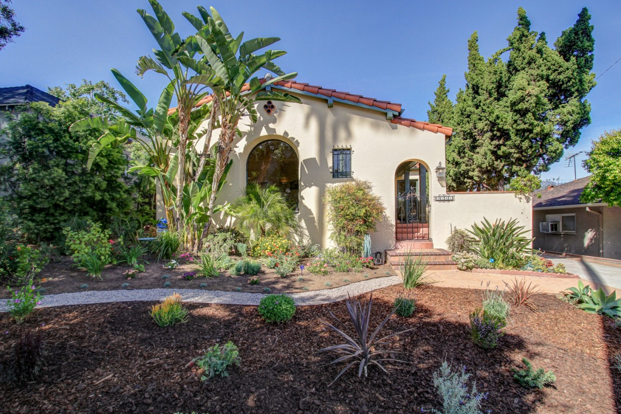 Spanish Beauty with Pool House in Eagle Rock listed for $899,000