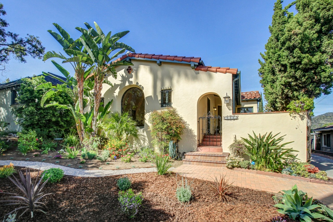 We sold this 2-bedroom Eagle Rock home for $1,055,000!
