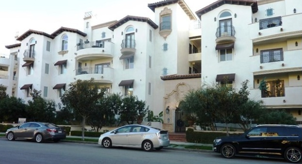 We helped our clients invest in this Studio City condo!